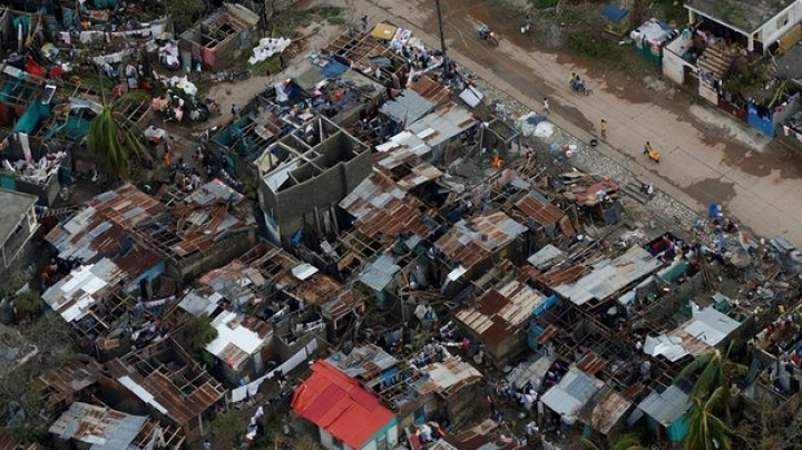 Hurricane Matthew: At least 136 people killed in Haiti, officials say