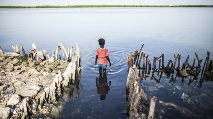 Poor countries urge fast action on Paris deal to stop catastrophic warming
