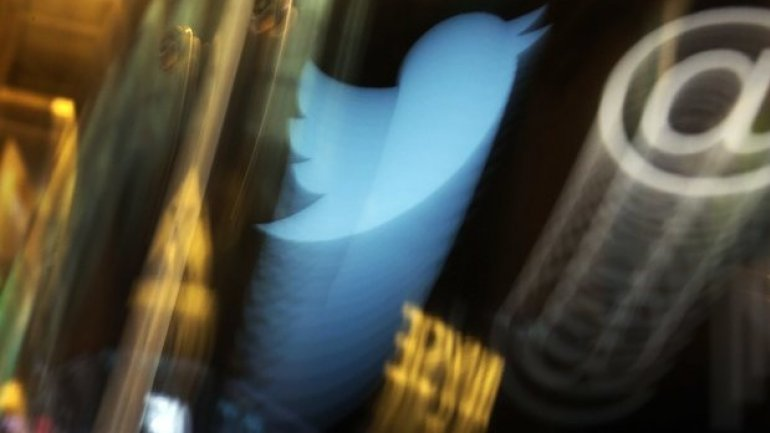 Twitter lays off hundreds, but quarterly results better than expected