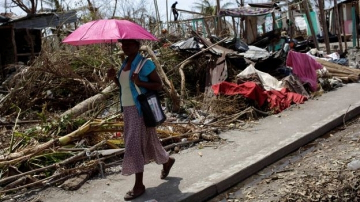 Hurricane Matthew: Haiti risks 'real famine', says interim president