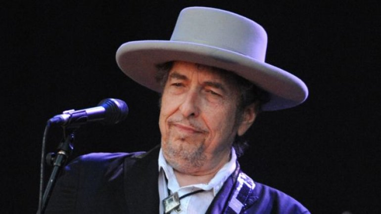 Bob Dylan wins Nobel Literature Prize 2016