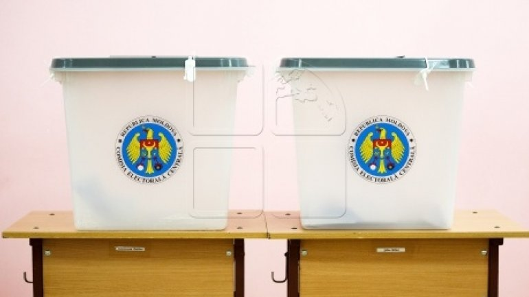 PRESIDENTIAL RUNOFF: Moldovan citizens living in Romania choose their president