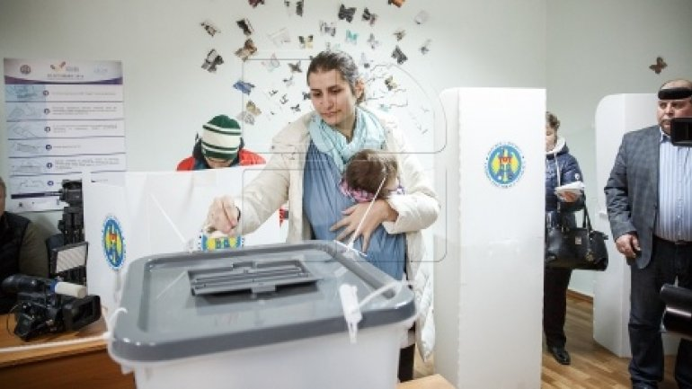 MOLDOVA's PRESIDENTIAL ELECTIONS: 800,000 citizens cast their ballots