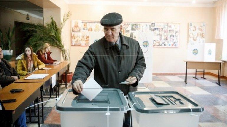 MOLDOVA'S PRESIDENTIAL ELECTIONS: Half a million Moldovans cast their ballot