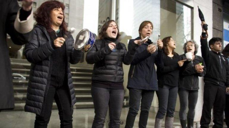 Women protest rape, murder of teenage girl in Argentina