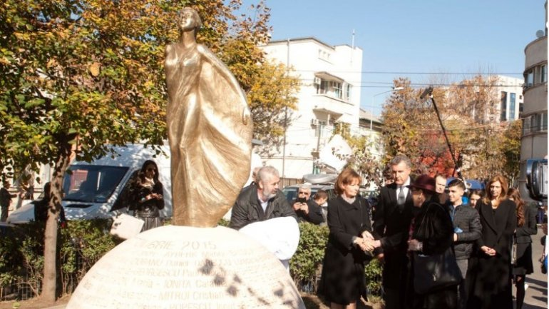 One year after the Colectiv club fire: Monument erected in Bucharest, silent march