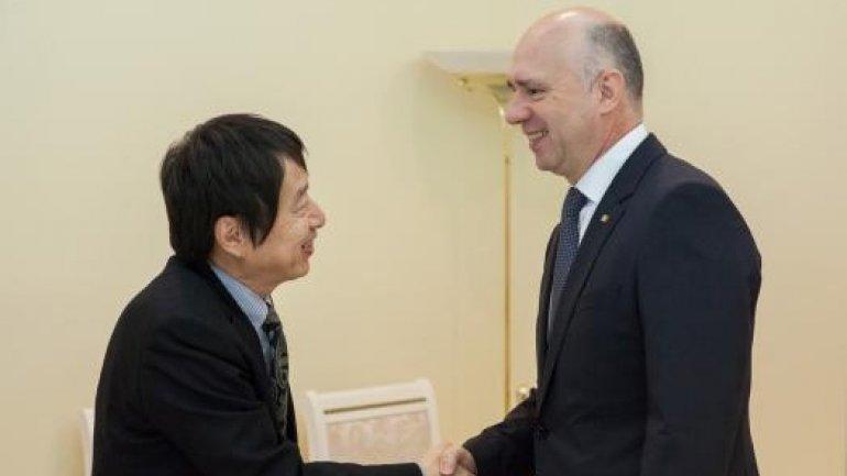 Prime minister Pavel Filip met ambassador of Japan to Moldova