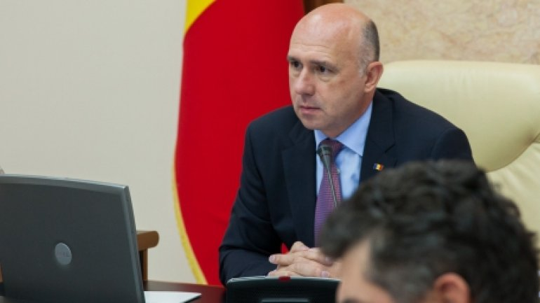 PM Filip asks for maximum mobilization in removing consequences of showers