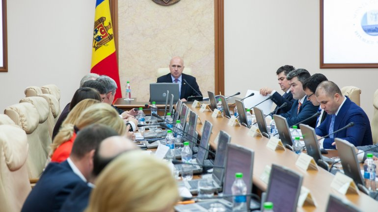 Government approves new regulations for public procurement system functioning