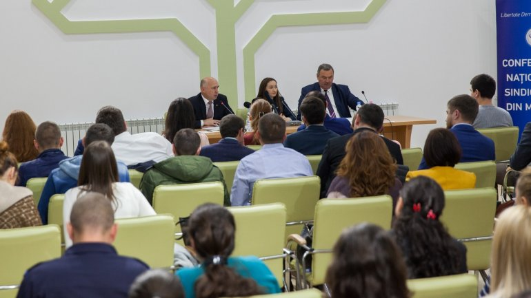 Prime minister Pavel Filip had a meeting with representatives of National Trade Unions Confederation