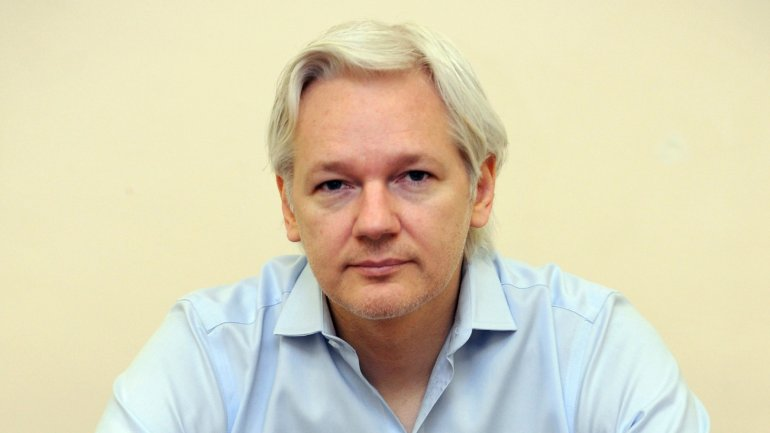 WikiLeaks' founder Julian Assange is left with no internet connection