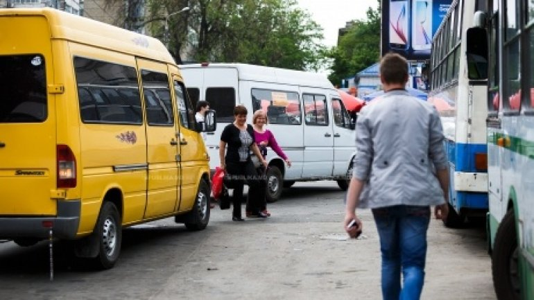 Sociteni locals protested to demand increased minibuses to Chisinau