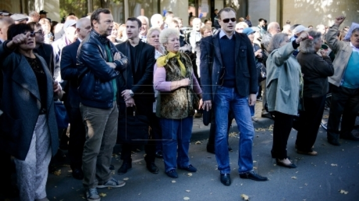 Didn't got tired at all. Nastase attended protest outside State Residence for five minutes