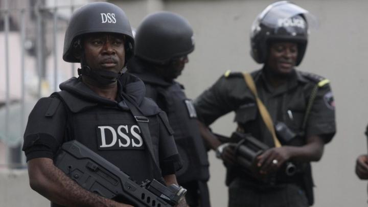 Nigeria seizes $800,000 in raids targeting judges suspected of corruption