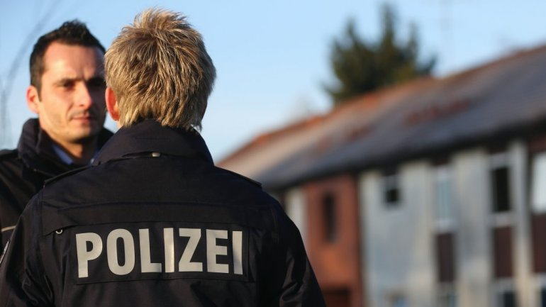 Teenage girl goes on trial in Germany for trying to stab police officer at alleged ISIS orders