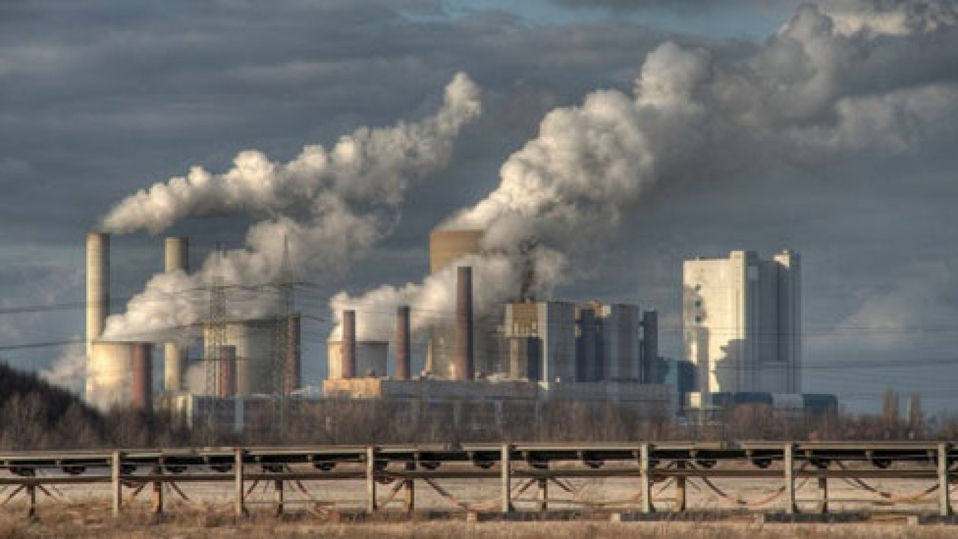 Canada to stop using coal power plants in 14 years