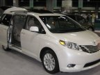 Toyota recalls 700,000 Sienna minivans to fix doors