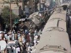 20 Pakistanis die in train crash near Karachi