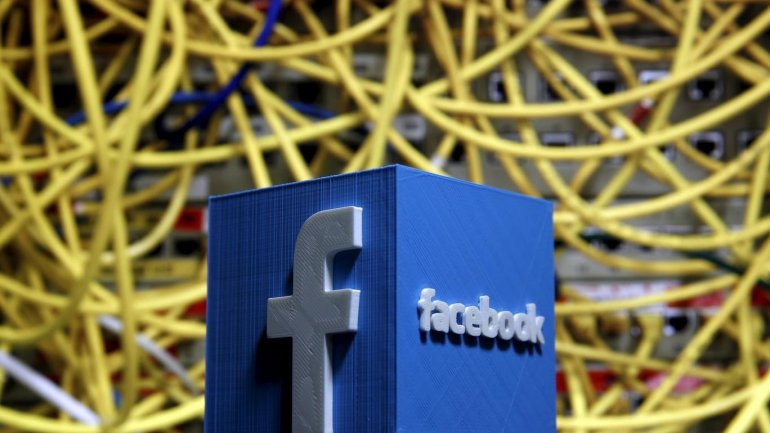Facebook users less likely to die