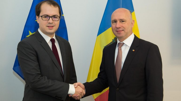 Prime Minister Pavel Filip meets MEP Andi Cristea in Brussels