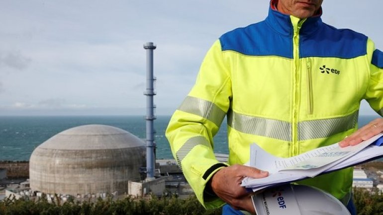 """French nuclear power in """"worst situation ever"""", says former EDF director"""