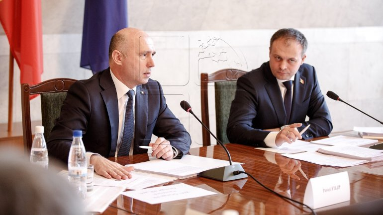 PM Pavel Filip and PS Andrian Candu to work together with Igor Dodon