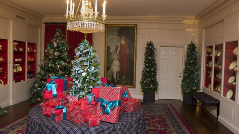 An inside look at the White House's Christmas decorations (VIDEO)