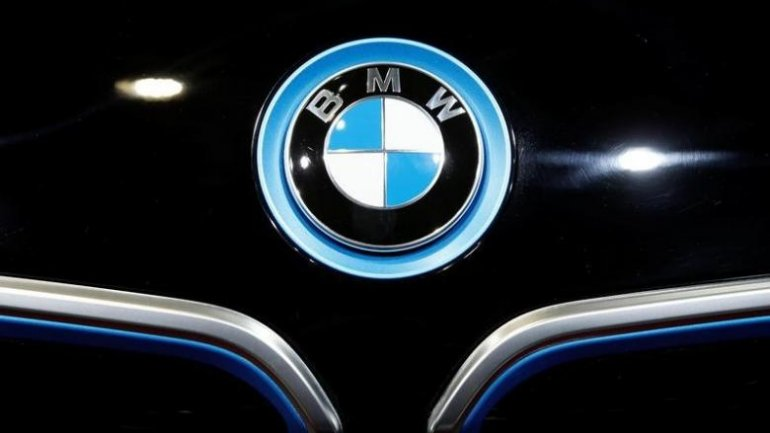 BMW to offer new version of i3 electric car in 2017
