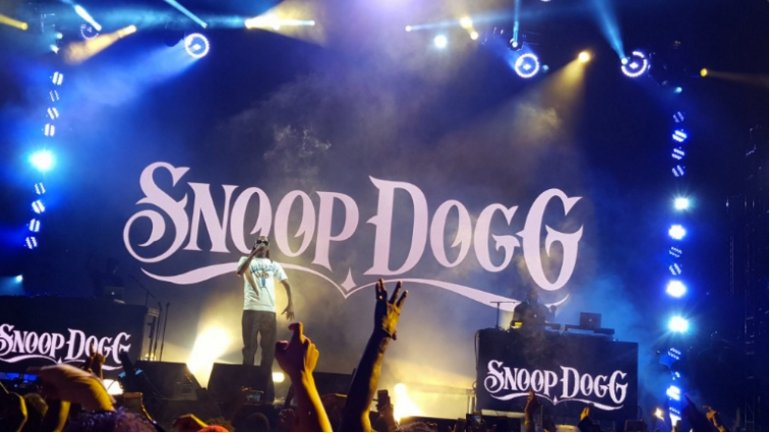 Snoop Dogg to perform in small Romanian village where he checked in by mistake