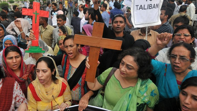 Five get sentenced to death in Pakistan for burning Christian couple in oven