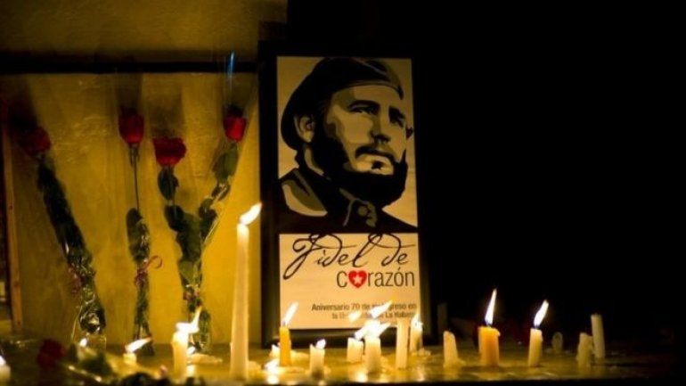 Cubans mourn their former leader Fidel Castro