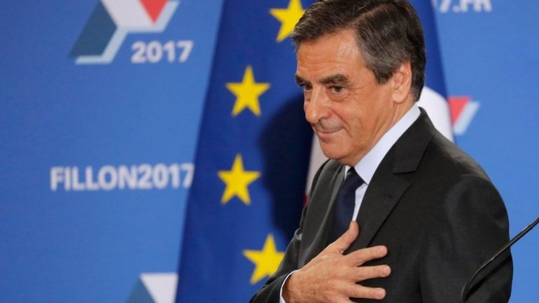 France presidential race: Francois Fillon wins conservative candidacy