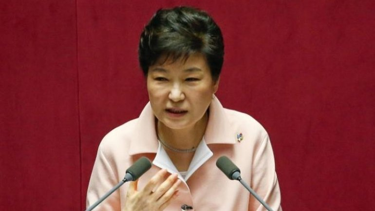 Pressure mounts on South Korean president to step down, as prosecutors prepare to question her