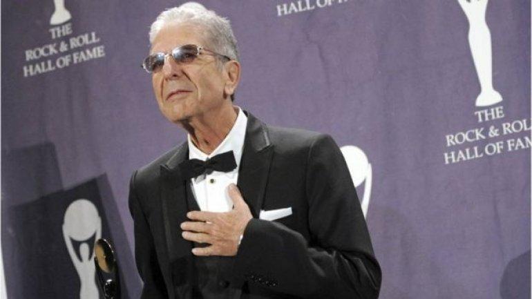 Canadian singer Leonard Cohen dies at 82