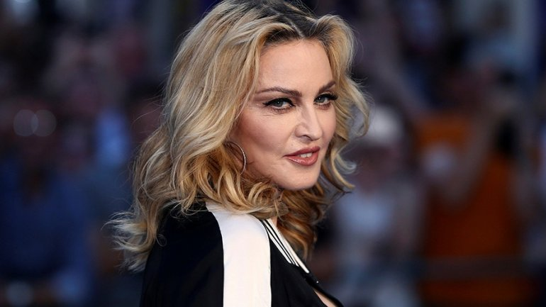 Madonna eludes oral sex pledge to Clinton voters