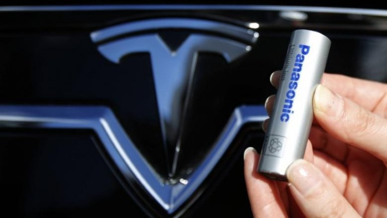 Tesla obliged to pay $1.7 billion to Panasonic for gigafactory battery cells