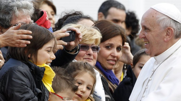 Pope Francis extends permission to absolve women making abortions