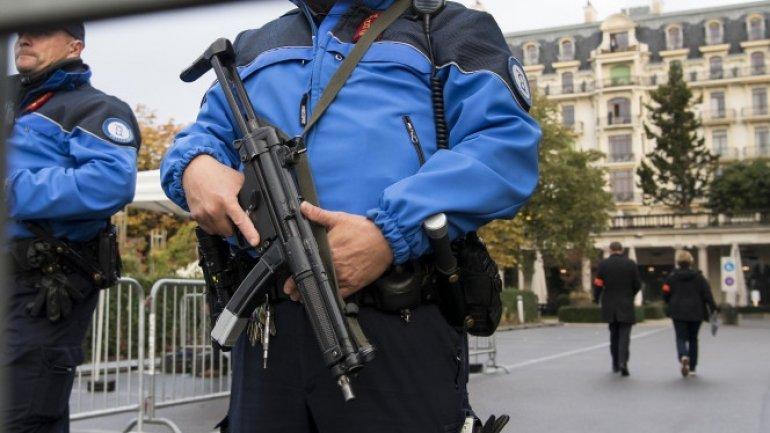 Police raid mosque in Switzerland. Arrest imam, suspects