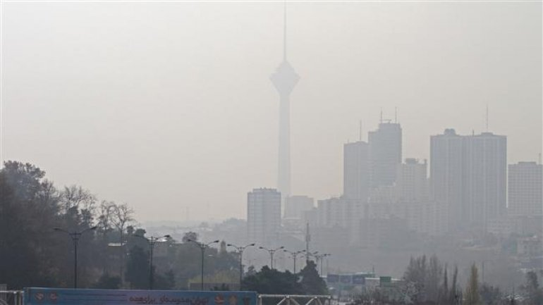 Tehran shuts schools as thick smog is linked to hundreds of deaths