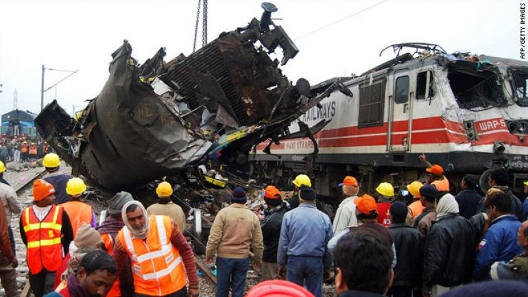 Death toll in Indian train crash rising