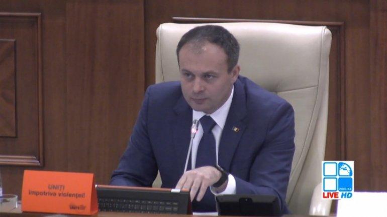 Moldovan Parliament turns orange marking World Day against violence against women