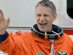 UK-born astronaut Piers Sellers dies aged 61