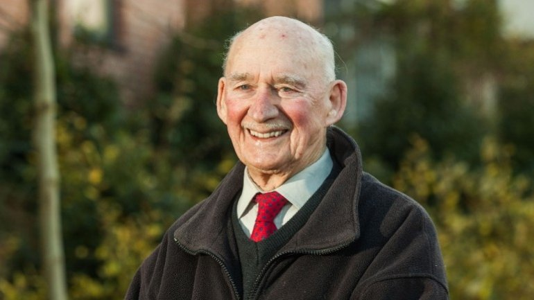 89-year-old veteran posts ad looking for a job to save him from boredom