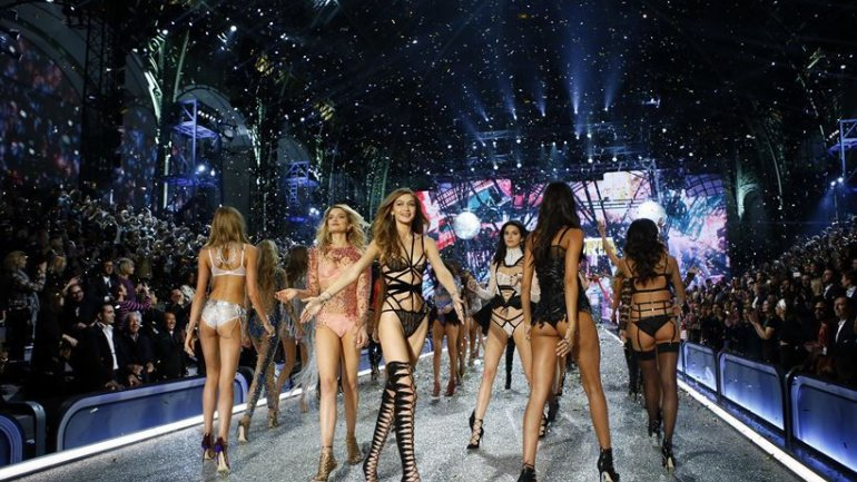 Victoria's Secret Fashion Show 2016: $3million bras and 7 foot wings (PHOTO/VIDEO)