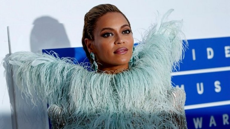 Grammy awards 2017: Beyoncé leads nominations with Lemonade