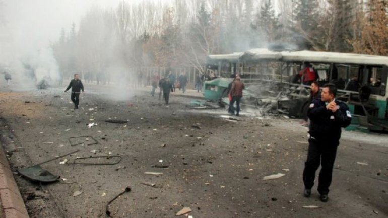 Suicide car blast kills 13 soldiers, wounds 55 more in Turkey