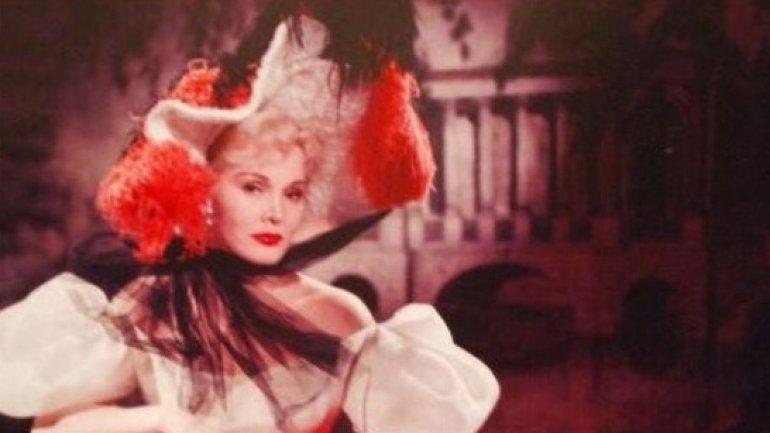 Hollywood legend Zsa Zsa Gabor dies at 99