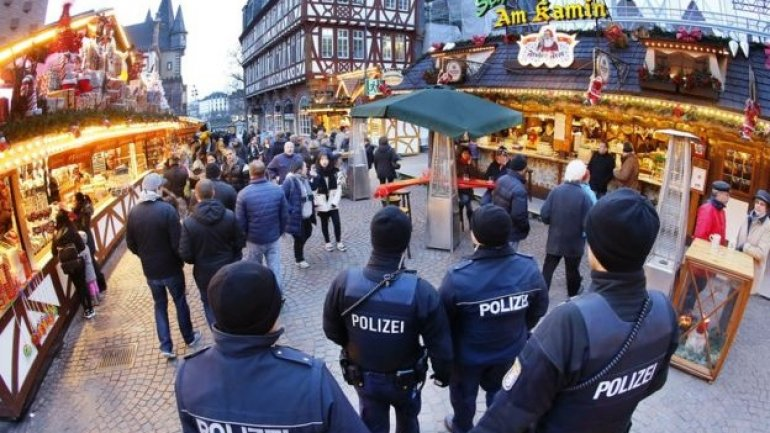 Berlin attack: Hunt for attacker after sole suspect released