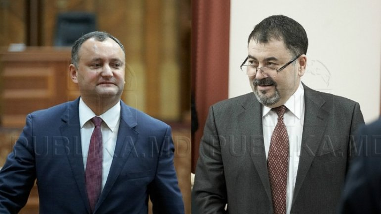 New president makes his first dismissal. Moldova has no Defense Minister