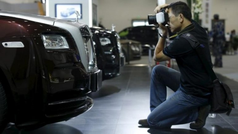 China introduces 10% extra tax on super cars
